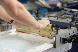 Siebdruck Textilien Verfahren