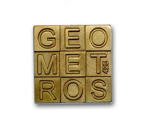 Ansteckpins bestellen | Pins Sandgestrahlt Geometros